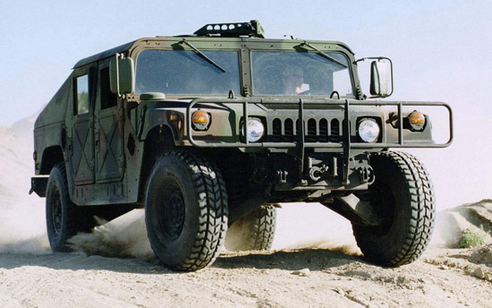 hummer_2003-humvee-military-vehicle-002_2