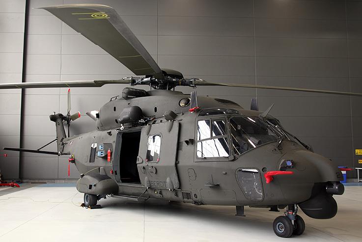 Elicottero Venezia : L esercito italiano riceve il suo primo elicottero nh