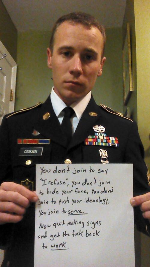 viral-military-photo